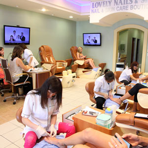 Lovely Nails & Spa salon