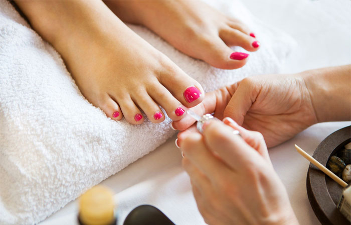 steps to professional salon pedicure