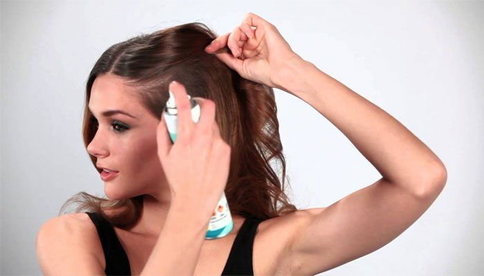 dry shampoo to keep hair straighter